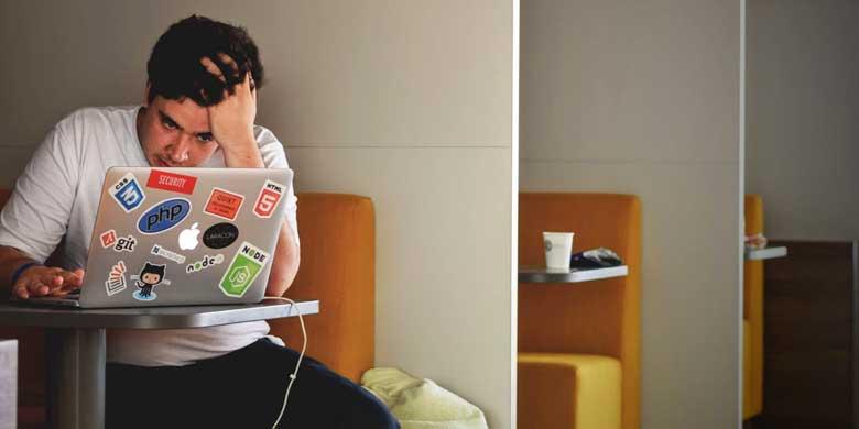 Stress da superlavoro, sai riconoscere i segnali?